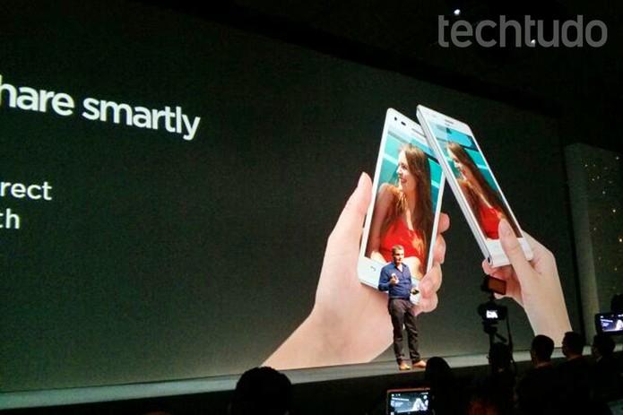 Huawei Ascend G6 permite compartilhar conteúdo com toques (Foto: Isadora Díaz/TechTudo)