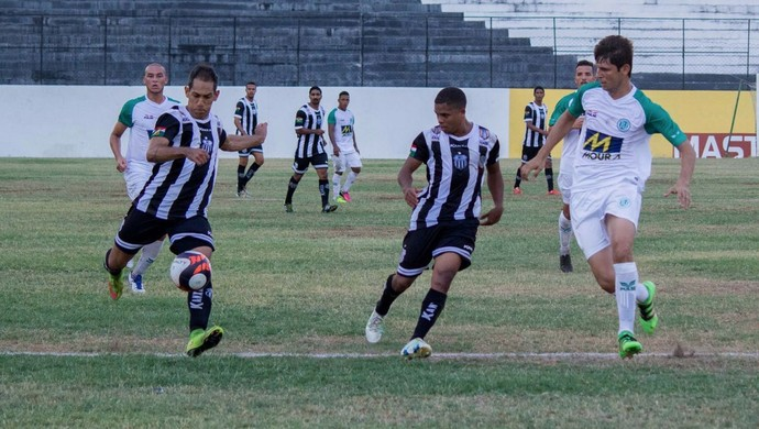 Anderson Lessa atacante do Central (Foto: Renan Vasconcelos / Central Sport Club)