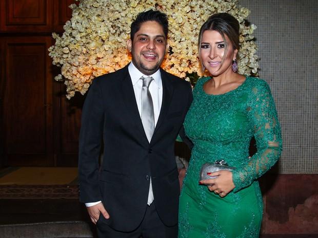 Cantor sertanejo Jorge com a mulher em casamento em São Paulo (Foto: Manuela Scarpa/ Foto Rio News)