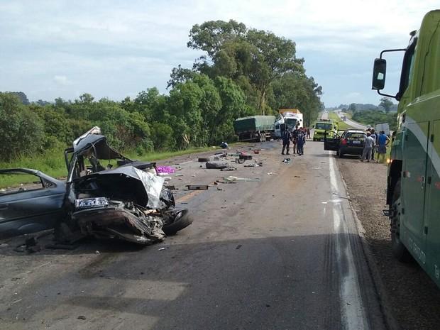 Acidente ocorreu neste sábado (11) na BR-116, em Pelotas (Foto: Ecosul/Divulgação)