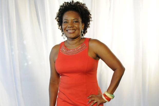 De cantora à atriz: Margareth Menezes vive delega na história (Foto: TV Globo/ O Canto da Sereia)