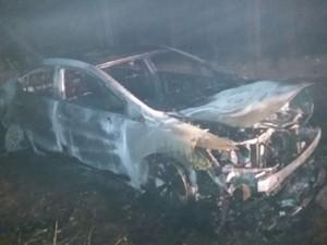 Arma, revólver de sargento morto em Caxias do Sul foi encontrado incendiado dentro de veículo que teria sido utilizado no crime (Foto: Divulgação/BM)