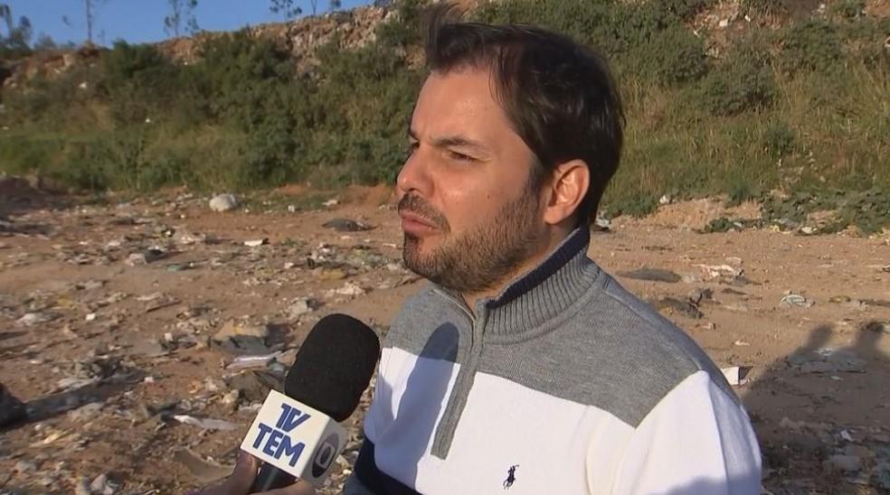 O secretário municipal de meio ambiente conta que não há prazo para achar um outro terreno para aterro (Foto: Reprodução / TV TEM)
