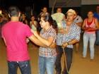 Brincadeira da vassoura na quadrilha anima São João em Taquaritinga, PE