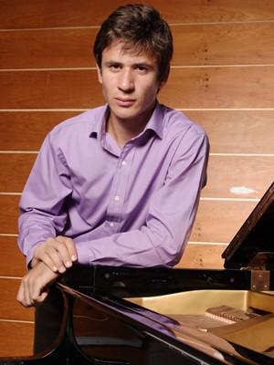 Pianista Cristian Budu integra Concertos Petrobras-EPTV. (Foto: Julio Acevedo)