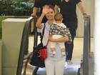 Sophie Charlotte enche o filho de carinhos em passeio no Rio