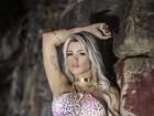 Janaina Santucci posa para novo ensaio sensual