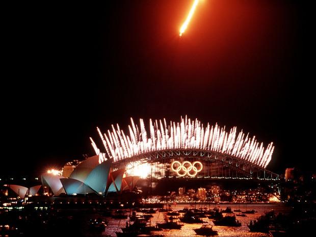 Anéis foram colocados sobre a ponte do porto de Sydney (Foto: TSGT Robert A. Whitehead, U.S. Air Force/Wikimedia Commons)