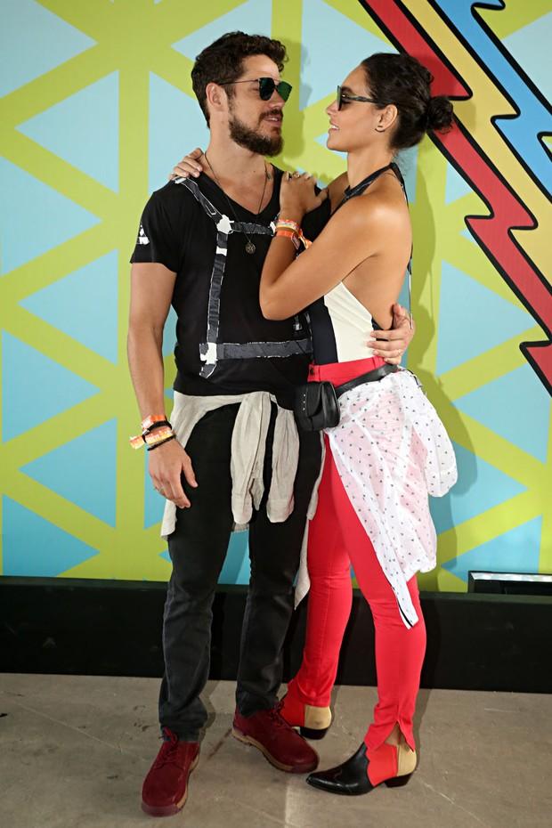 Debora Nascimento e José Loreto (Foto: Celso Tavares / EGO)