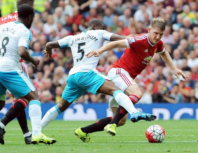 Bastian Schweinsteiger diz que United será o seu último clube na Europa 2ac246fae33bc