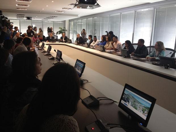 Governador conversa com representantes de moradores da Rocinha, Vidigal e Chácara do Céu (Foto: Cristiane Cardoso/G1)