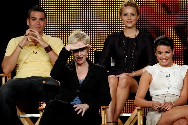 O ator Mark Salling junto com colegas da série Glee (Foto: Getty Images)