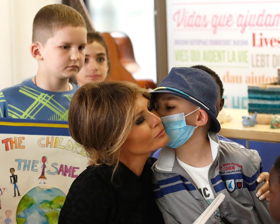 A primeira-dama Melania Trump visita o hospital Bambino Gesu, em Roma, na Itália (Foto: Remo Casilli/Reuters)