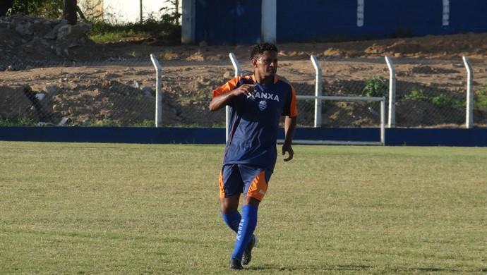 Lateral Dida retorna a Alagoas e treina no CSA (Foto: Denison Roma/GloboEsporte.com)