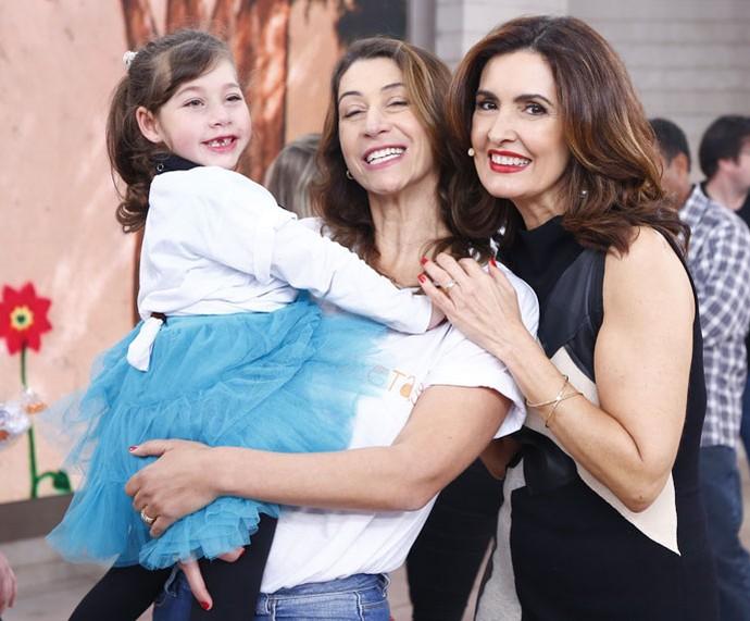 Fátima com a convidada e sua filha, Valentina (Foto: Fábio Rocha/Gshow)