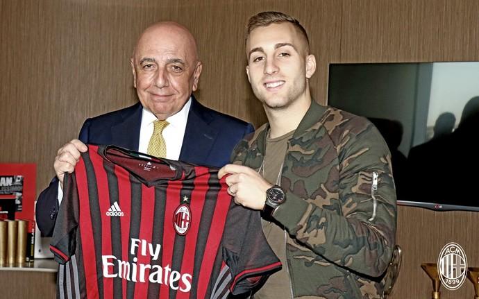 Deulofeu Milan (Foto: ReDivulgação/Site oficial do Milan)