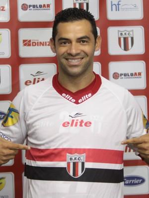 Henrique Dias, atacante do Botafogo-SP (Foto: Rogério Moroti / Agência Botafogo)
