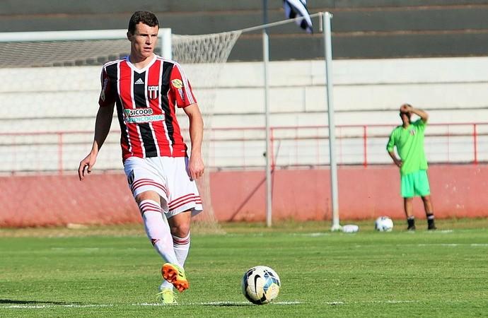 Rodrigo Thiesen, volante do Botafogo-SP (Foto: Rogério Moroti/Ag. Botafogo)