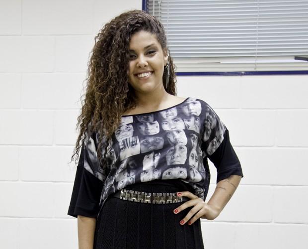 """Amanda Amado cantou o samba """"Trajetória"""" e entrou no time de Claudia Leitte (Foto: Fabiano Battaglin /TV Globo)"""