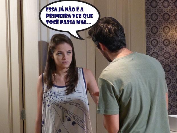 Bruno vê que Ju tá estranha e fica bolado (Foto: Malhação/TV Globo)