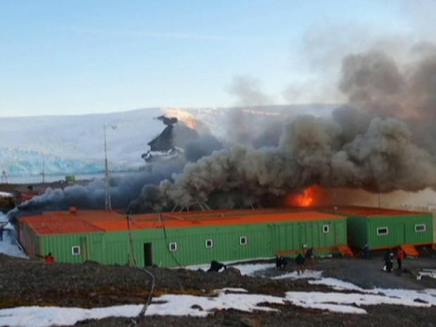 incêndio na Antártida (Foto: reprodução Globo News)