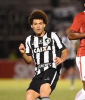 Camilo Botafogo x Internacional (Foto: André Durão)