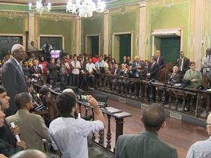 Vereadores de Salvador aprovaram Louos e a regulamentação dos mototaxistas (Foto: Reprodução/TV Bahia)
