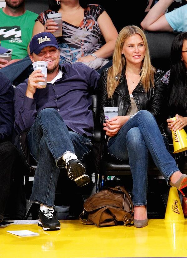 O ator Leonardo DiCaprio e a modelo israelense Bar Rafaeli.  (Foto: Getty Images)