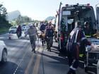 Doze feridos em acidente de ônibus continuam internados no ES