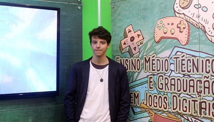 Luis Gustavo no estande da FECAP durante o Brasil Game Show (Foto: Divulgação)