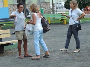assistentes sociais trablham na abordagem de usuarios (Foto: Pedro Carlos Leite/G1)