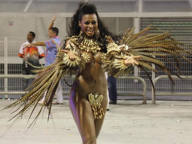 Destaque dança no desfile da Rosas de Ouro (Foto: Paulo Toledo Piza/G1)