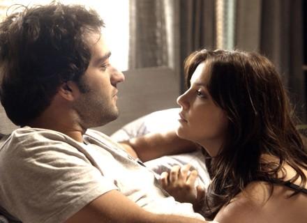 Marina pede Tiago em namoro, mas ele não aceita