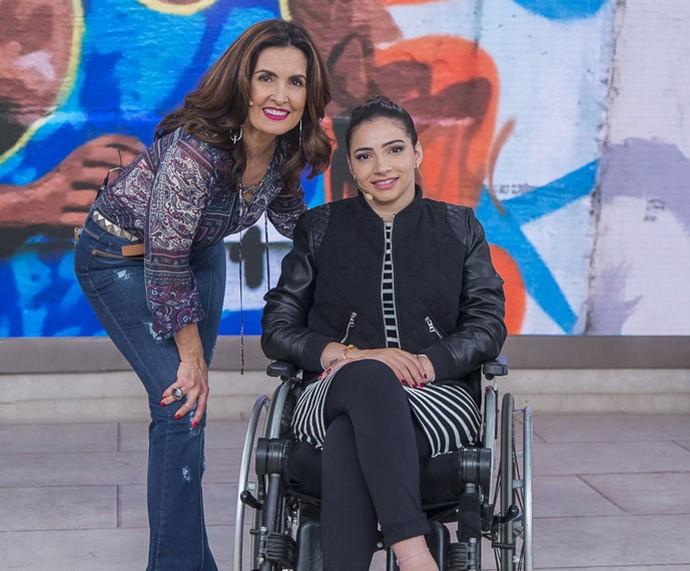 A ex-atleta Lais Souza com a Fátima  (Foto: Artur Meninea/Gshow)