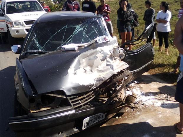 """Acidente deixa dois feridos na """"curva da morte"""", em Borda da Mata, MG (Foto: Polícia Militar)"""