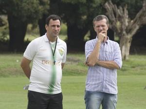 Eduardo Henrique ao lado de Aron Dresch (Foto: Pedro Lima/Cuiabá Esporte Clube)