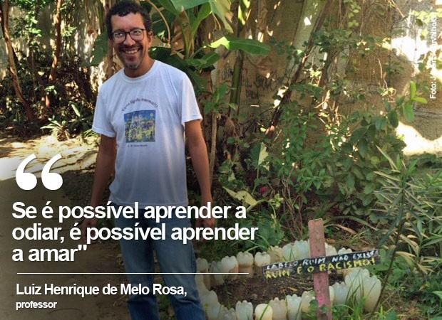 Horta na escola Hebert Moses tem mensagens que combatem o racismo e o preconceito (Foto: Janaína Carvalho / G1)