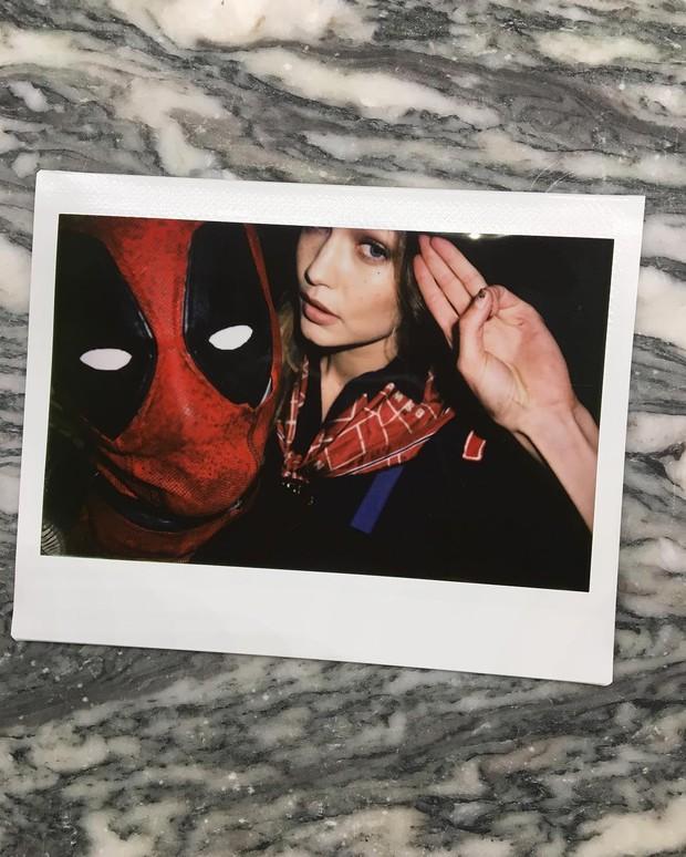 Taylor Swift agradece Ryan Reynolds pela fantasia de Deadpool (Foto: Reprodução/Instagram)