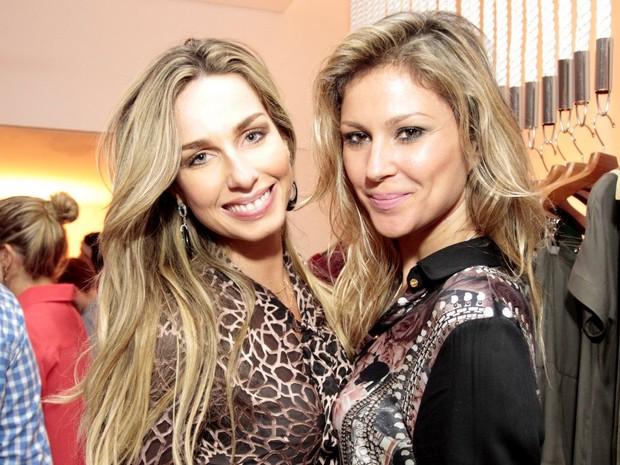 Mariana Weickert e Ellen Jabour em evento em São Paulo (Foto: Paduardo/ Ag. News)