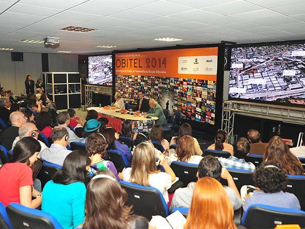 A conferência de abertura foi realizada por Michael Curtin (Foto: Reinaldo Marques)