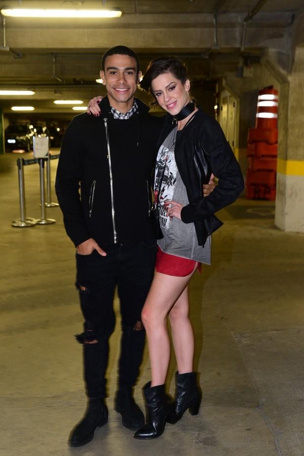 Sérgio Malheiros e Sophia Abrãao em show de Bieber (Foto:  Leo Franco/ AgNews)