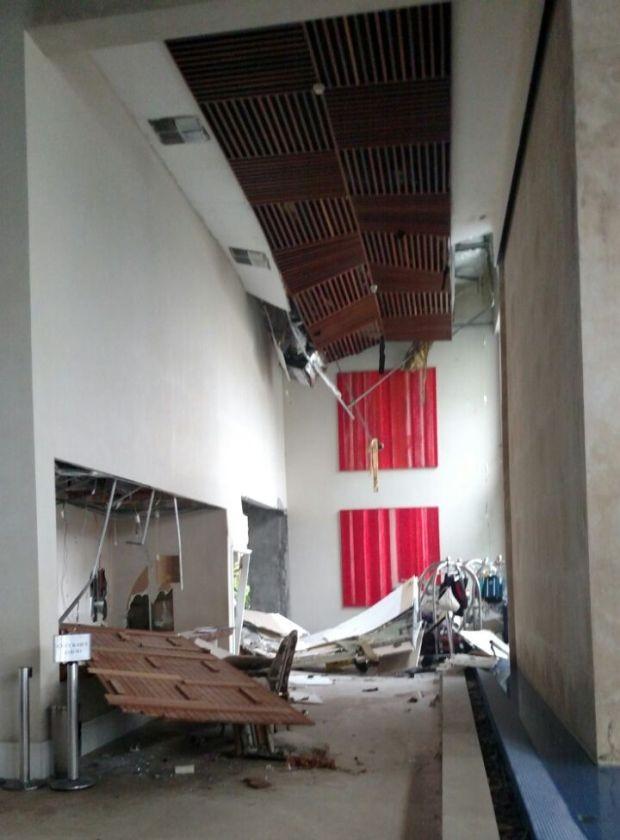 Parte do teto desabou durante explosão  (Foto: G1)