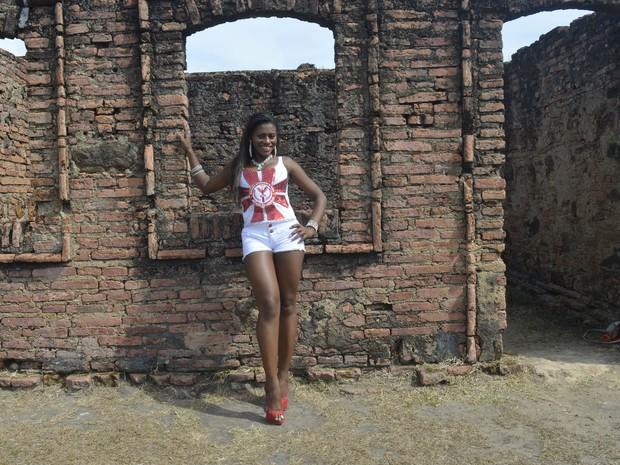 Candidata tem 35 anos e pisará pela primeira vez em uma passarela (Foto: Dyepeson Martins/G1)
