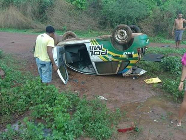 Acidente com viatura deixa policial militar ferido na PI 224
