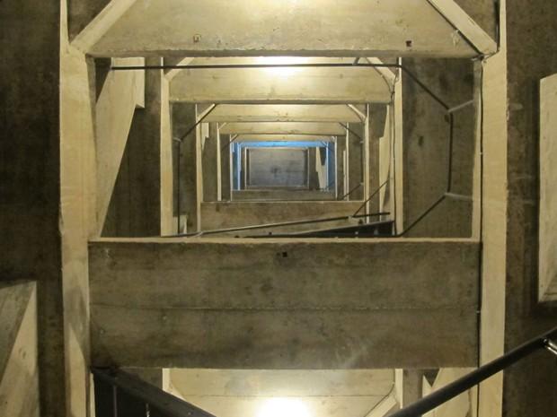 Para chegar ao topo há dez lances de escada  (Foto: José Raphael Berrêdo / G1)