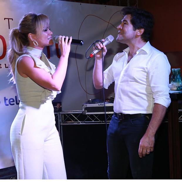 Eliana e Daniel cantam 'Evidências' (Foto: Claudio Augusto/Brazil News)