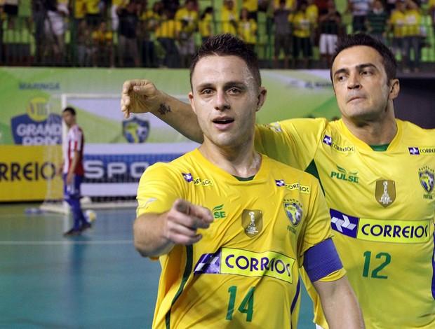 Brasil supera o Paraguai no segundo tempo e avança à final do Grand ... a8284917203fc