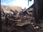 Moradores recolhem 'sobras' em depósitos incendiados em Macapá