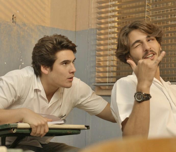 Rodrigo chama a atenção de Roger (Foto: TV Globo)