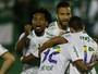 """Caio Júnior, sobre defesa mais vazada: """"Tomamos um pouco de gols a mais"""""""